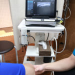 新中野大木接骨院のケガ治療ではバスケットボールのプレー中に受傷した内側側副靱帯損傷と内側半月板損傷を超音波検査機で詳しく損傷状況を知ることができます!
