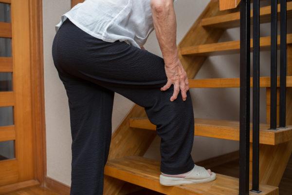階段を昇る時の膝の痛み
