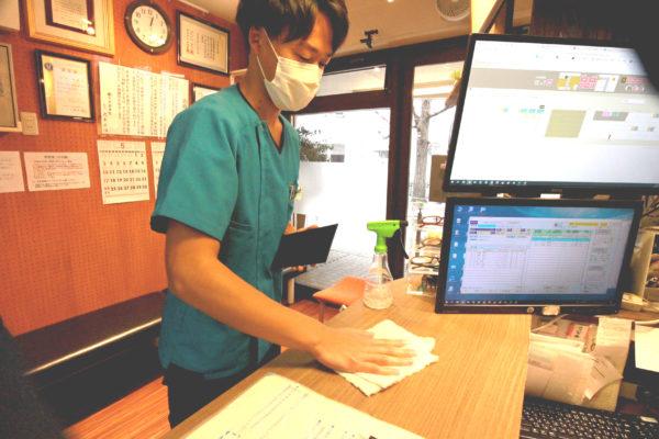 コロナウイルス対策「院内消毒」