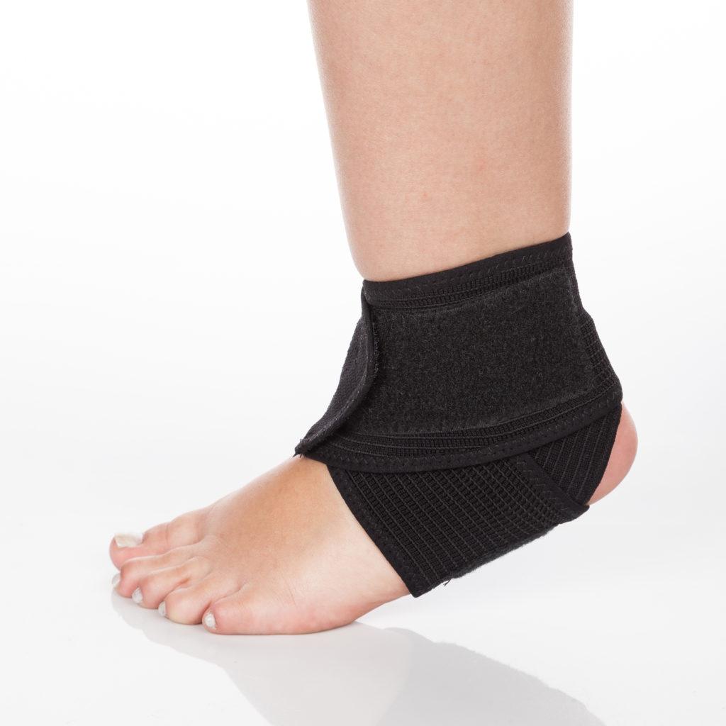 足関節のサポーター