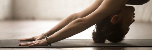 自宅での運動は繰り返し行うことで正しい姿勢と動作を身に着けます