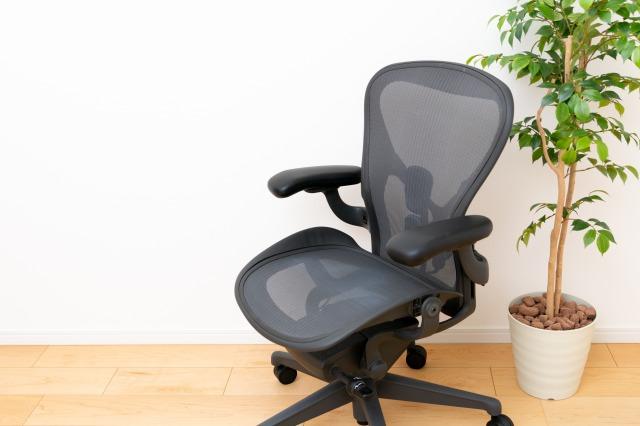 腰痛の原因になる椅子の種類